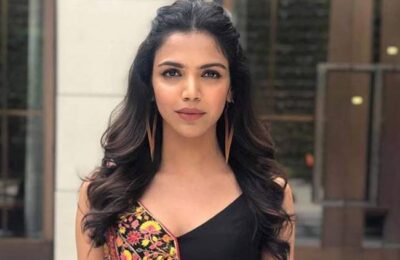 Shriya Pilgaonkar Takes Pottery Lessons To Ease Her Mind