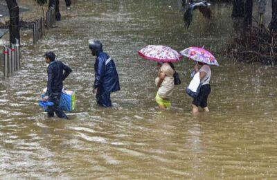 Heavy to very heavy rain likely to occur in Telangana : Met