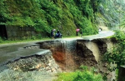 WB: National Highway blocked