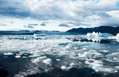 Melting ice sheets can be monitored using solar radio signals