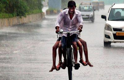 Mumbai witness heavy rainfall, several areas under water