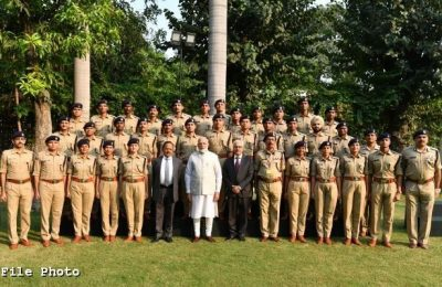 PM interacts with IPS probationers