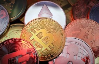 Today's Cryptocurrency Prices: Bitcoin and Ether Rise Slightly, while the USD Coin plunges