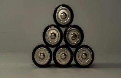 Safer high-energy density batteries can be made by preventing oxygen release